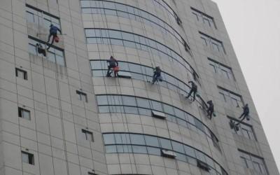 郑州外墙清洗:专业外墙清洗技术,来看看!
