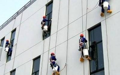 郑州保洁公司给您带来高空外玻璃清洗秘籍